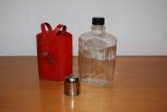 Trinkflasche mit Schale